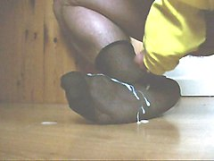 Cumming on my Nylon Foot, wearing Rubber Gloves