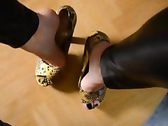 heels and toe nails footjob