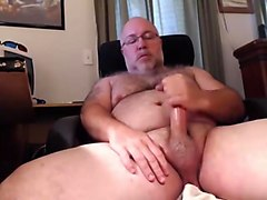 Hairy Mature Man Cums on Cam