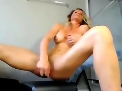 Sexy ass in short jeans milf dildo squirt