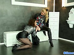WAM femdom lesbo pusyfucking at the gloryhole