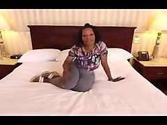 Ebony MILF fuck in Hotel