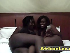 african lesbos enjoy face sitting in bedroom