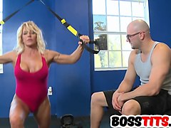 Gina West Is The Boss At The Gym