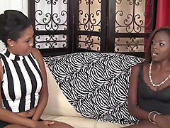 wankz- beautiful ebony girls use tongues