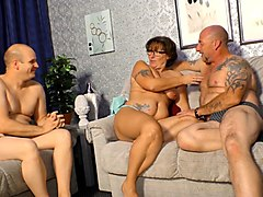 reife swinger - dirty mmf threesome with horny mature german lady
