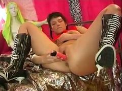 jenny in high boots masturbating