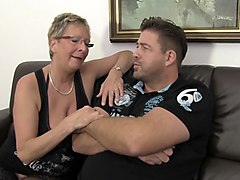 xxx omas - hot german ffm threesome with horny mature chicks