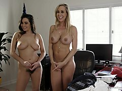 casey calvert and elsa jean enjoy sharing their lesbian experiences