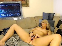 webcam blonde playing with sex toys on webcam