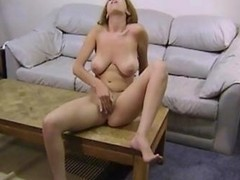 Lilliana Jerksof With Her Fingers And Dildo